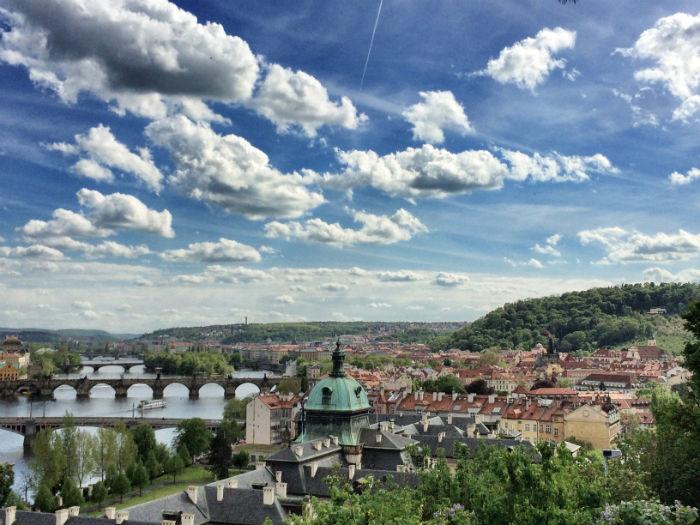 Reise nach Prag Ausblick Altstadt und Moldau 2