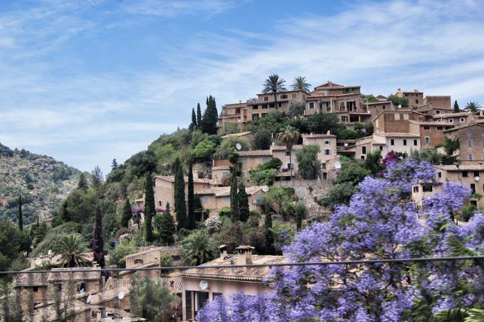 Urlaubsorte-auf-Mallorca-Fornalutx-Häuser