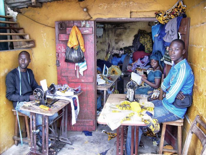 Elfenbeinküste Anne Künstler in Grand Bassam