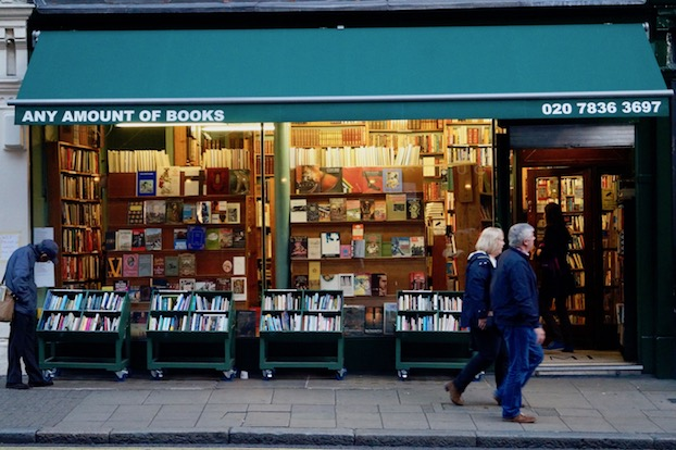 literatur-in-london-any-amount-of-books-von-aussen