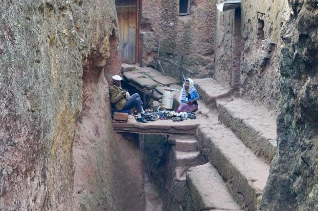 Felsenkirchen von Lalibela Schuhaufpasser