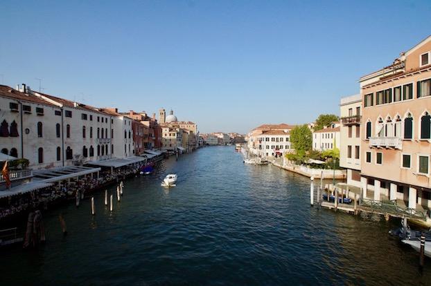 Wochenende-in-Venedig-Ausblick-Rialto-Bruecke